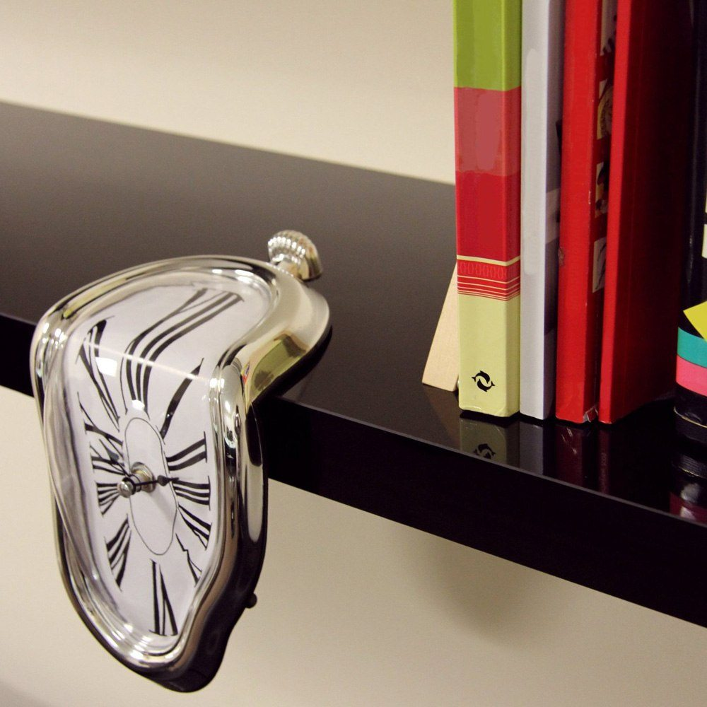Smält klocka i Dalí-stil