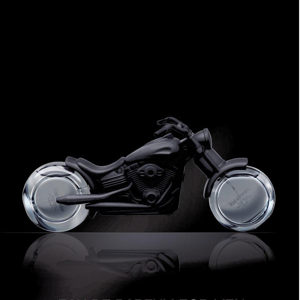 Wind of freedom - två herrparfymer i motorcykelflaska