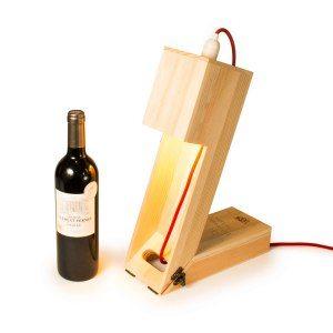 2 i 1 – Graverad vinbox och lampa