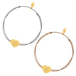 PERSONALIZED GOLDEN HEART-DISC BRACELET WITH INITIALS