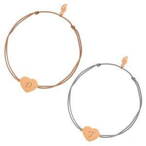 Armband med roséguldfärgat hjärta och initialer