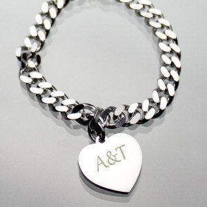Armband mit persönlichem Herzanhänger