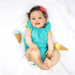 """Beachday"" baby-set med body & hårband"