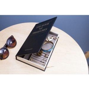 Ett smyckesskrin i form av en bok