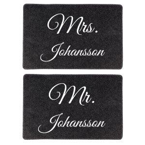 Mr. & Mrs - set: två olika tallriksunderlägg i filt med namn
