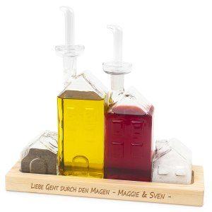 Olja, vinäger och krydda-flaskor med gravyr