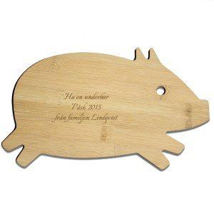 Skärbräda med gravyr – gris