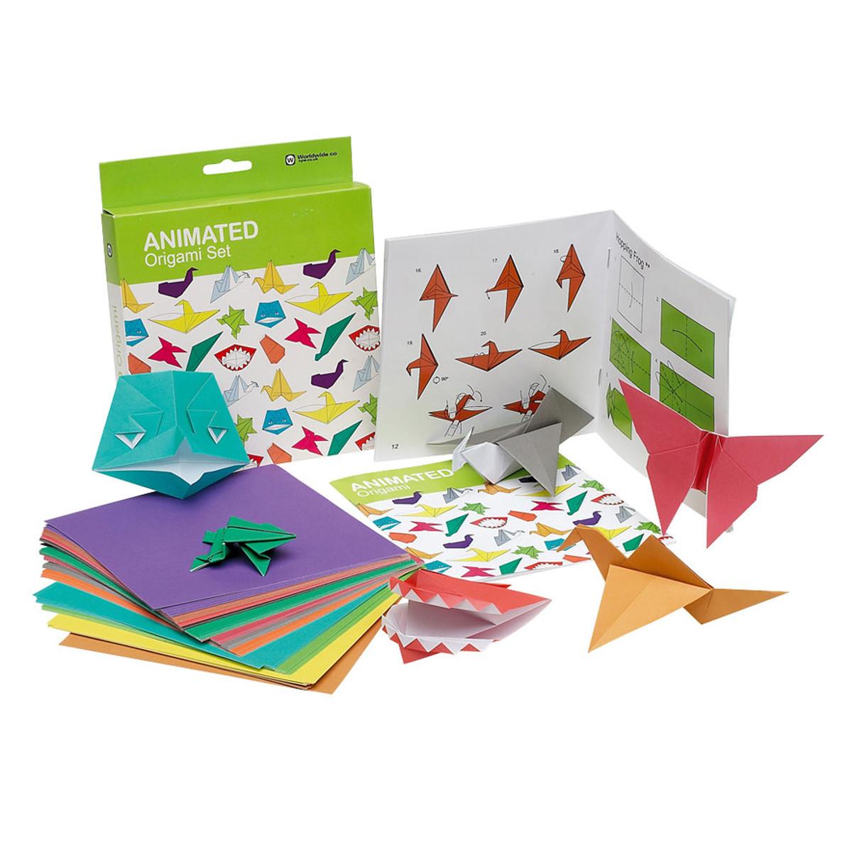 Origamiset med 100 färgade papper